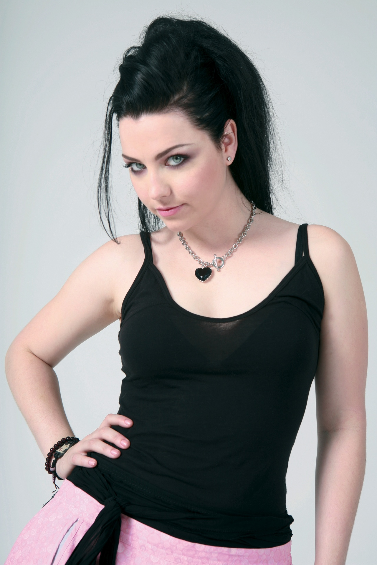 Amy Lee Evanescence 853684 1280 1920 Angels Of Devil